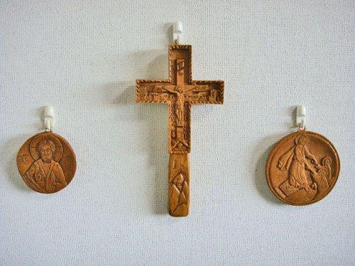 他の写真3: 【送料無料】(ギリシャ雑貨)絵で描かれた聖書・イコン(十字架・クロス)【ギリシャ正教の聖地アトス山】